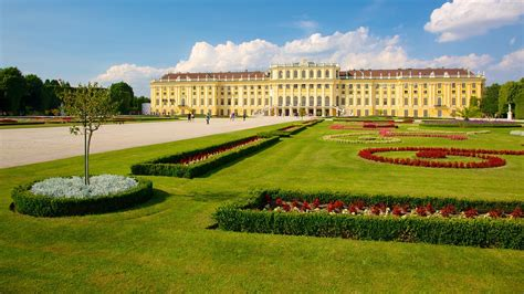Schoenbrunn Palace in Vienna, | Expedia